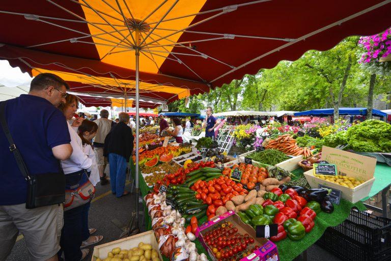 Étales de fruits et légumes