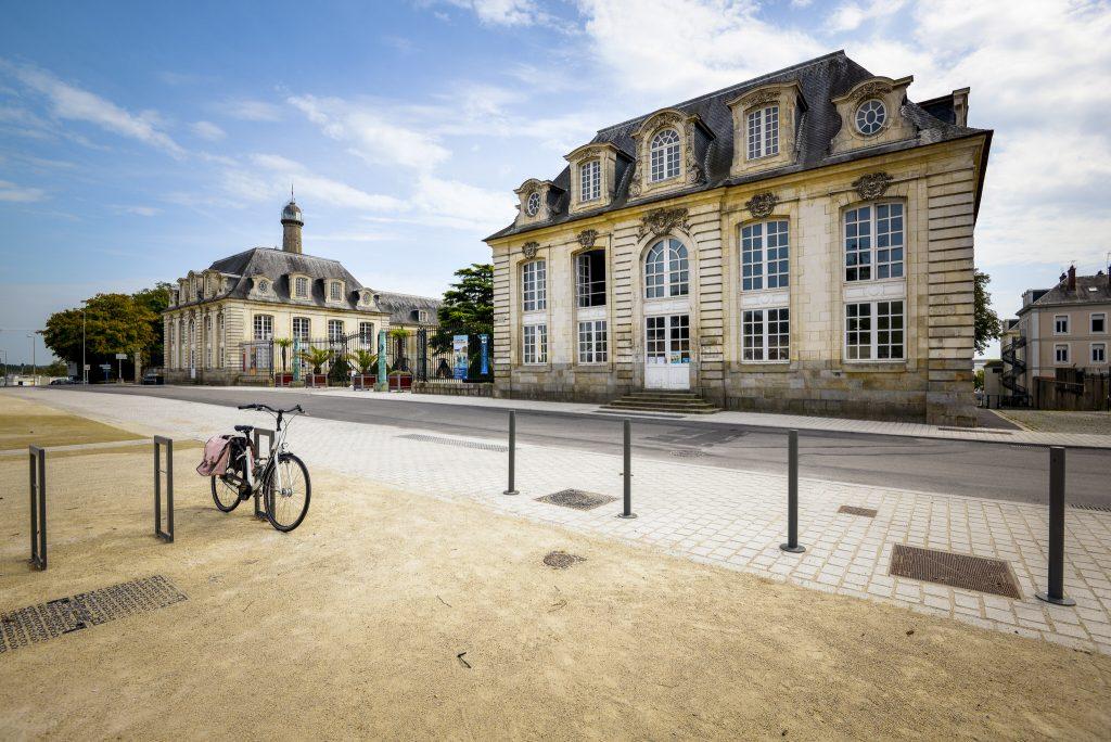 L'Hôtel Gabriel dans l'Enclos du Port.