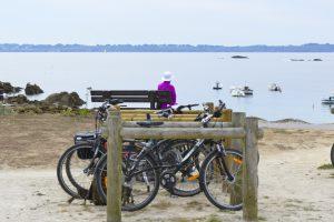 Ploemeur, pause vélos sur la voie verte du littoral