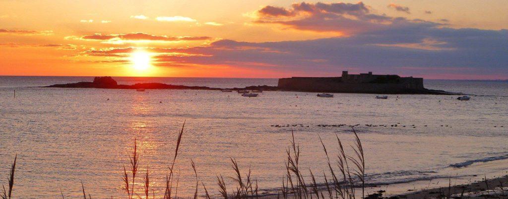Ploemeur coucher de soleil sur le Fort-Bloqué sur le Fort-Bloqué
