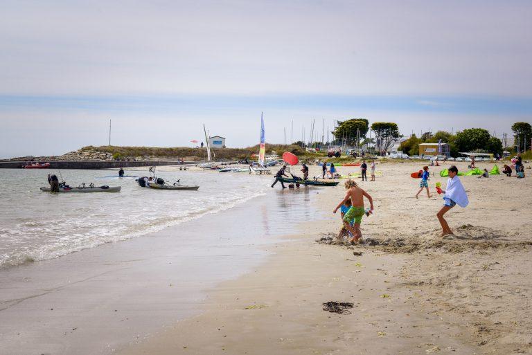 Larmor-Plage - plage et centre nautique de Kerguelen