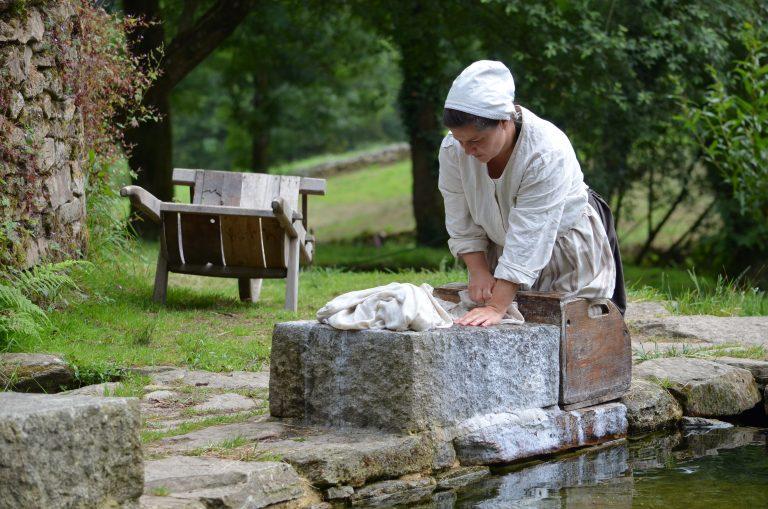 Poul Fetan, femme au lavoir