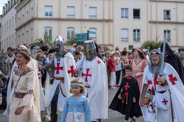 Hennebont, Défilé aux Médiévales