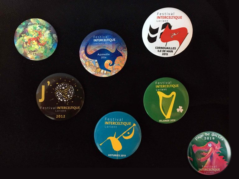 Badges collectors éditions précédentes du Festival Interceltique de Lorient.