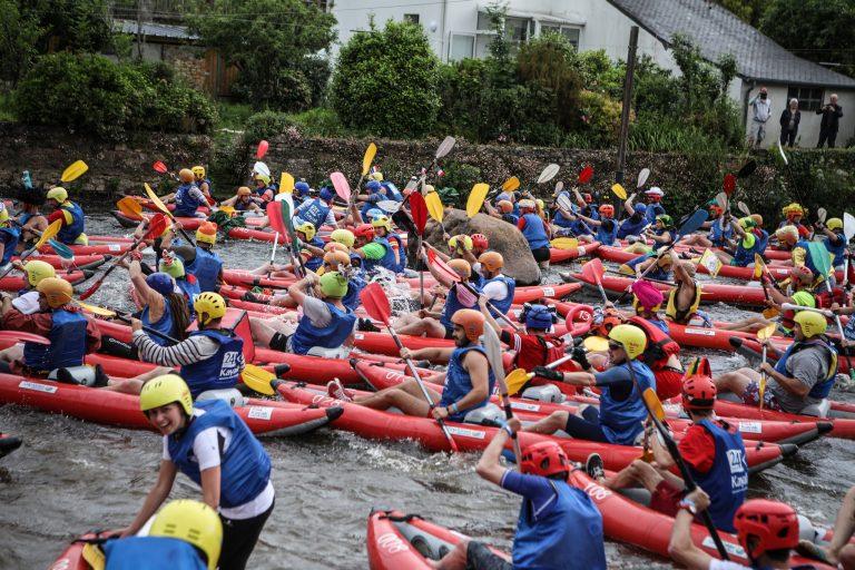 1200 équipiers se lancent sur le Blavet à Lochrist pour les 24 heures kayak