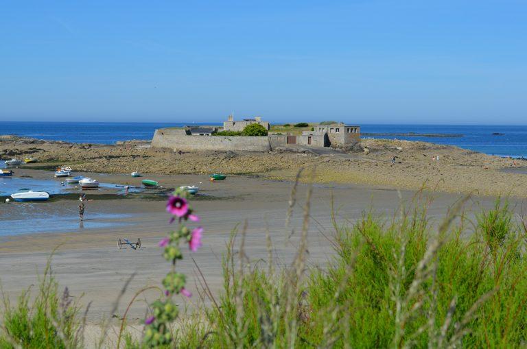 Le Fort Bloqué à marée basse, Ploemeur