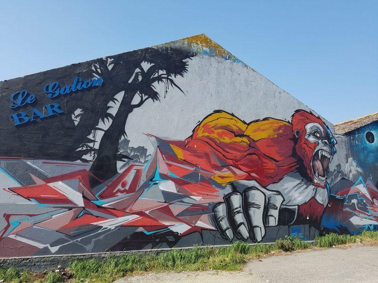 Graff d'un gorille par LEZ et SAMP au Galion à Lorient