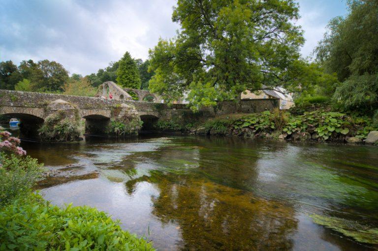 Le Pont Saint-Jean, construit entre le 16e et le 18e siècle, sur le tracé d'une ancienne voie romaine.
