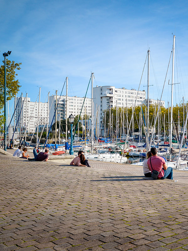 Promenade sur le port de Lorient en amoureux