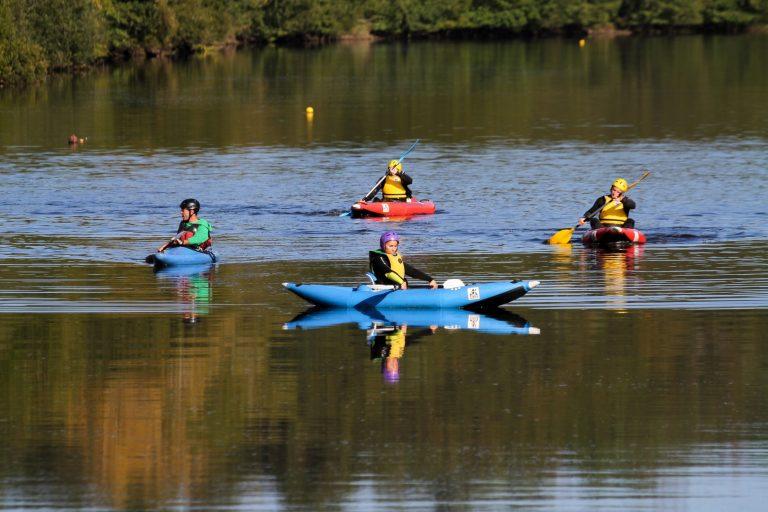 Inzinzac-Lochrist, kayaks au parc d'eau vive