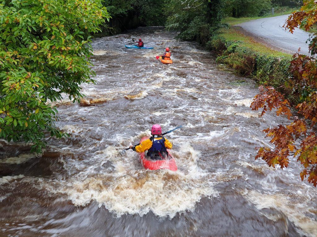 Inguiniel -Berné, descente en canoë-Kayak sur le Scorff dans la forêt de Pont-Calleck