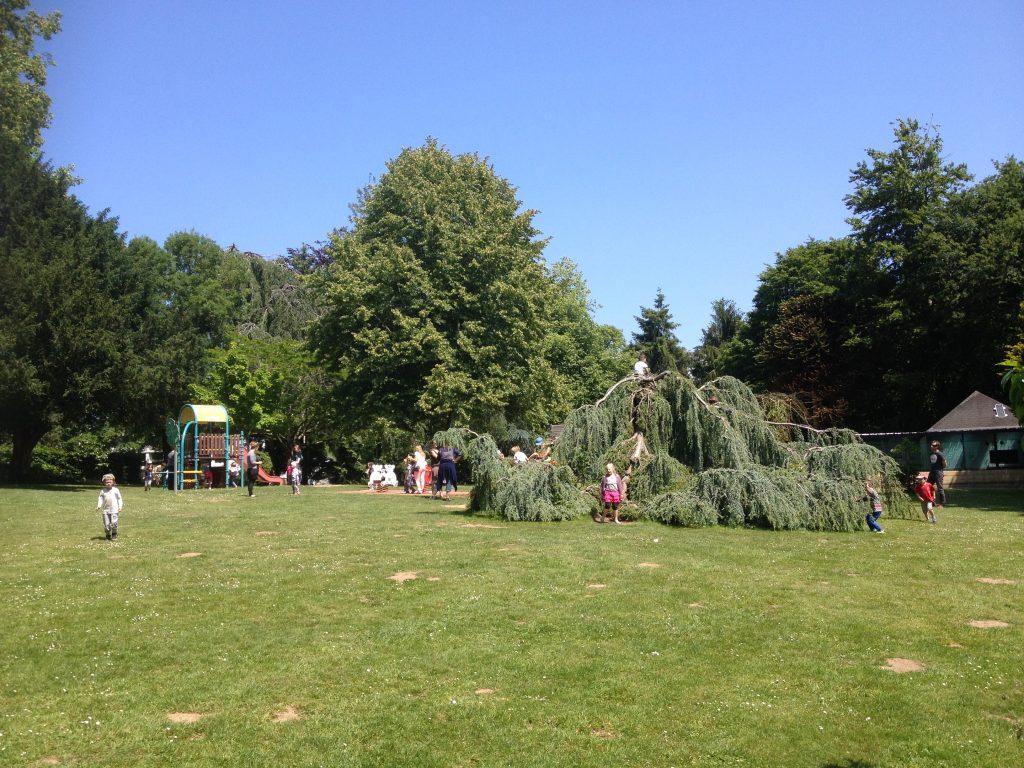 Hennebont, aire de jeux du parc de Kerbihan