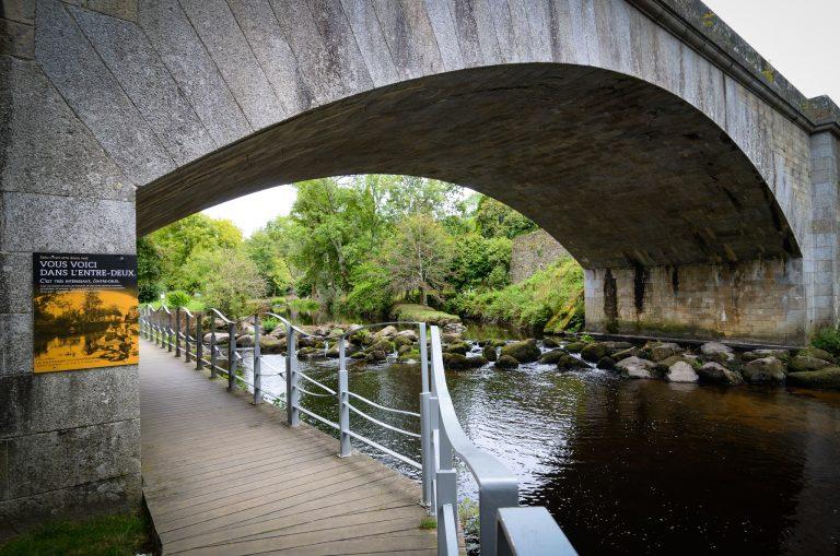 Pont sur le Scorff vers l'Odyssaum de Pont-Scorff