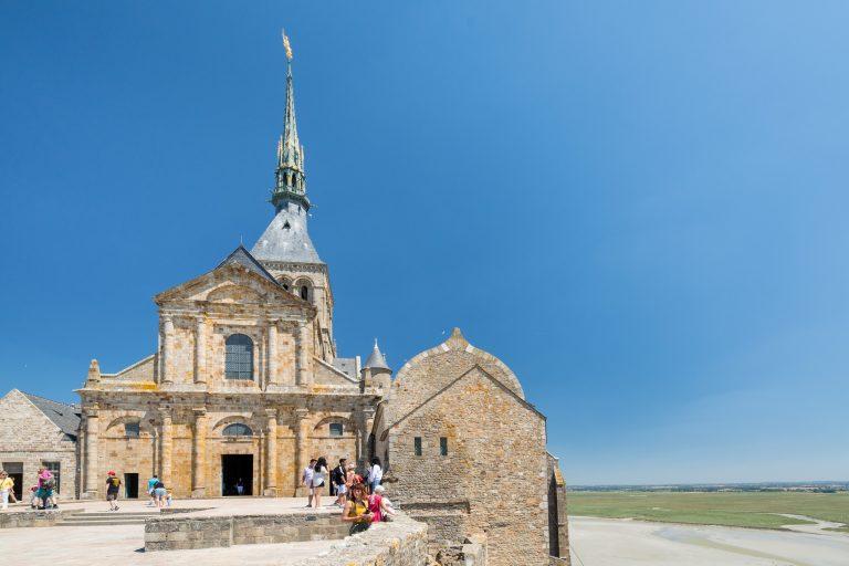 Le Mont Saint Michel , tout en haut de l'abbaye