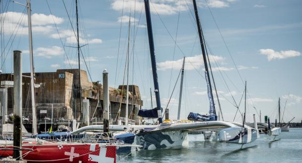 Les trimarans du pôle course au large à Lorient La Base