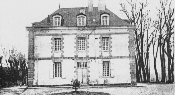 Ploemeur, ancien château de Soye façade d'entrée en 1927.