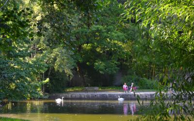 Hennebont, pause devant l'étang du Parc de Kerbihan