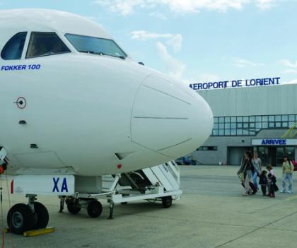 Avion à l'aéroport de Lorient Bretagne Sud, Ploemeur