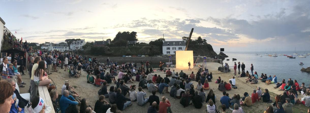 Île de Groix, Festival du film insulaire sur la plage de port-Lay