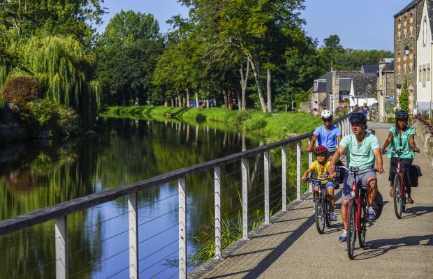 Aurelie-STAFF-Velodyssee-Josselin-les-bords-du-canal-ad9659.jpg