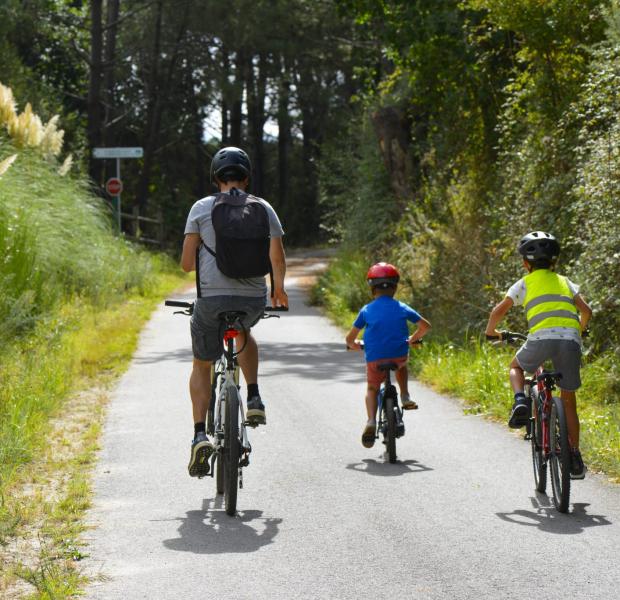 Ploemeur, balade vélo avec les enfants sur la voie verte des kaolins
