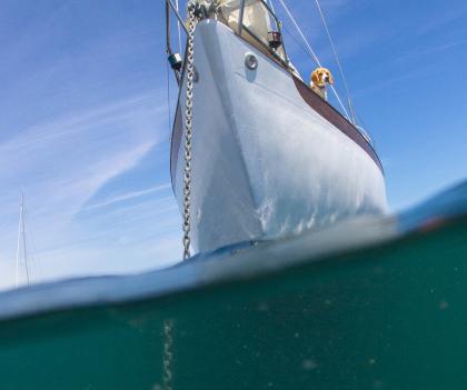 bateau ancre ile de groix lorient