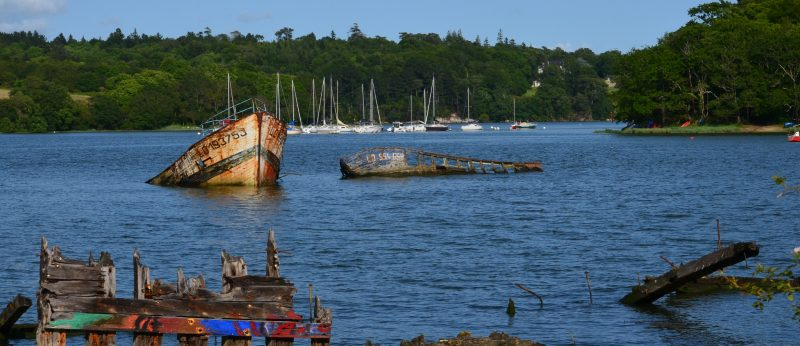 Cimetière de bateaux de Kerhervy à Lanester.