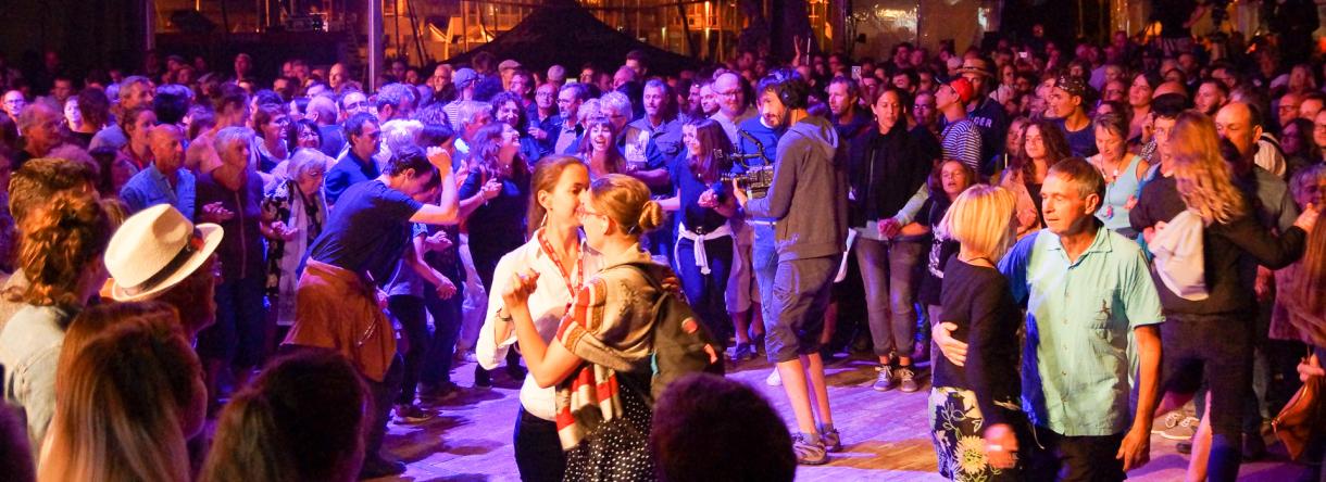 Danses bretonnes au Festival Interceltique de Lorient.