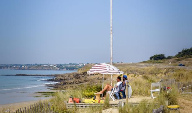 Drapeau vert sur la plage, Guidel