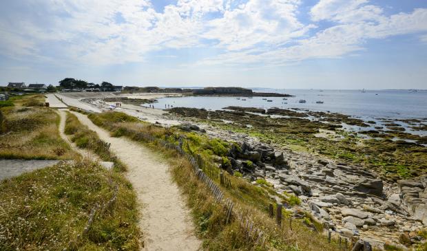 sentier côtier et plage du Fort-de-Porh-Pun à Gâvres