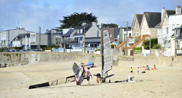 Larmor-Plage, voile sur la plage de la Nourriguel.