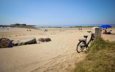 ©E. LEMEE -Ploemeur - plage du fort-Bloqué