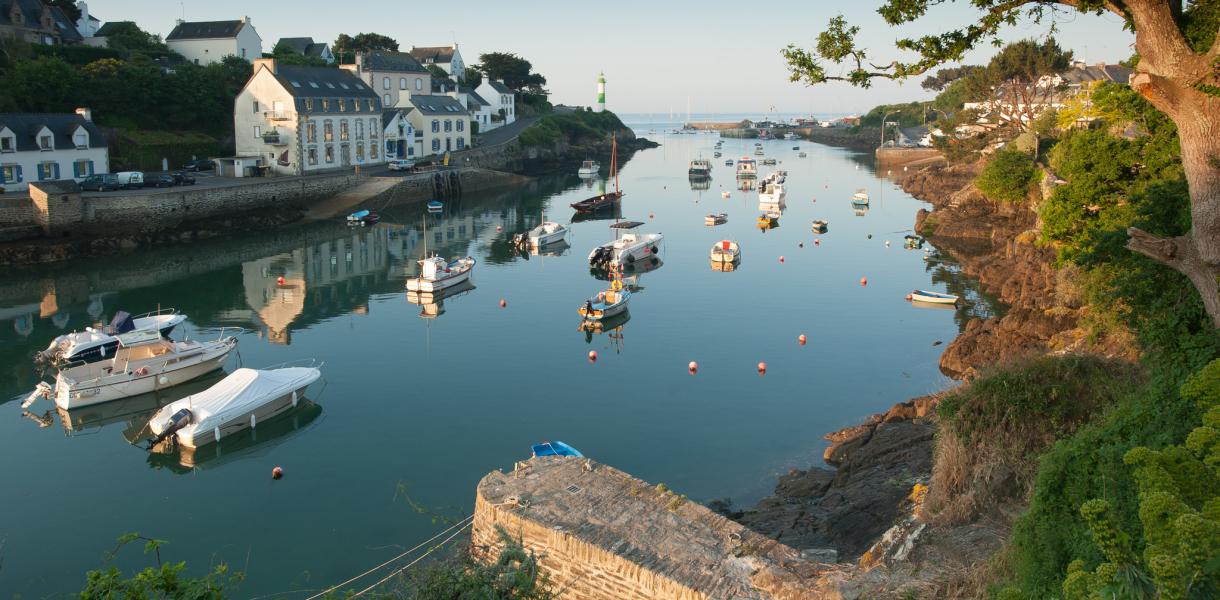 Emmanuel-BERTHIER-Port-de-Doelan-au-lerver-du-jour-ac3330-27-12-2022.jpg