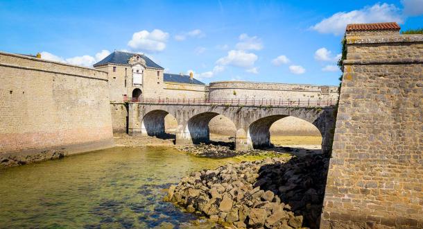 Extérieur de la citadelle de Port-Louis