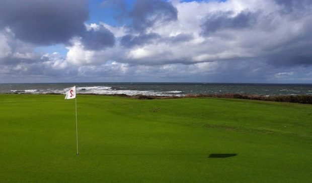 parcours de golf face à la mer à Ploemeur