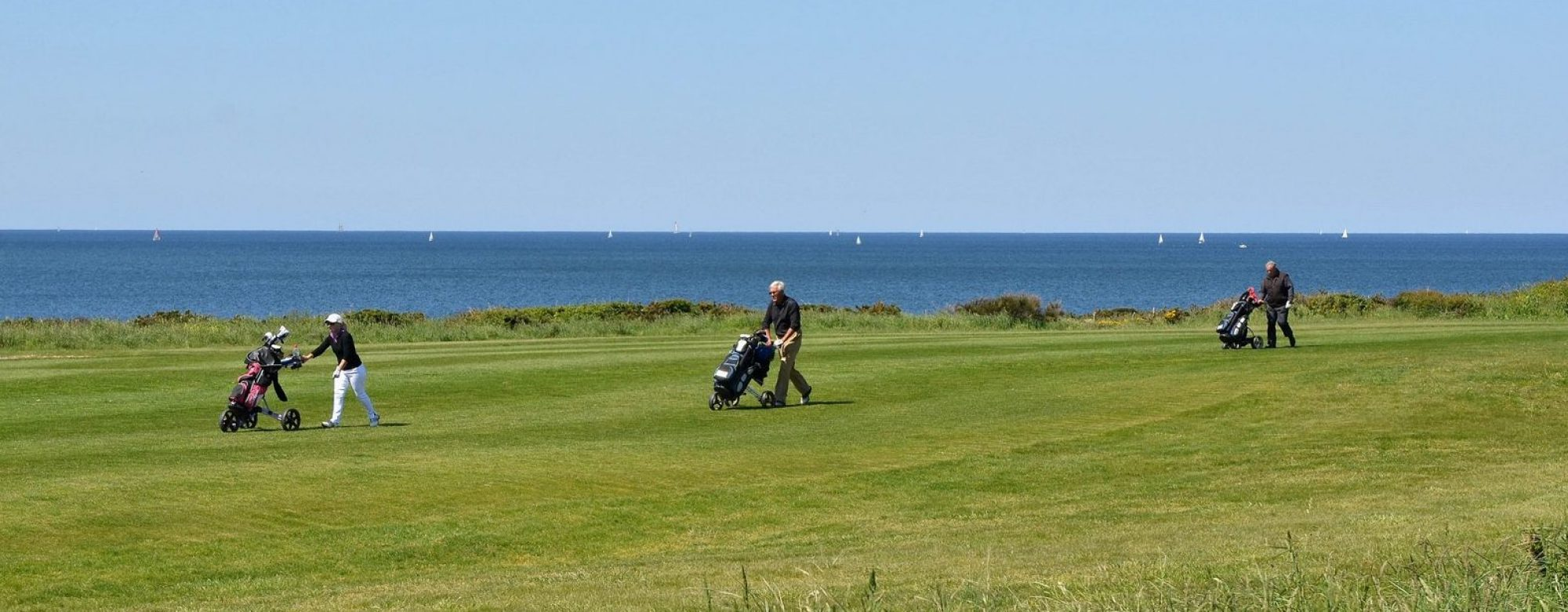 Golfeurs sur le parcours 18 trous, Ploemeur.