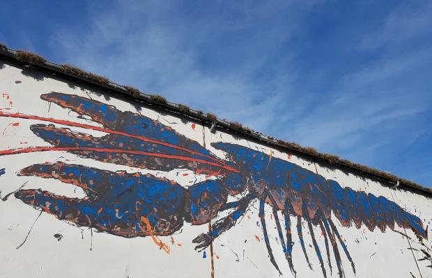 Graff d'un homard par WAR au Port de pêche de Lorient