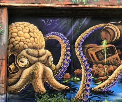Graff d'une pieuvre par KAZ au Port de pêche de Lorient