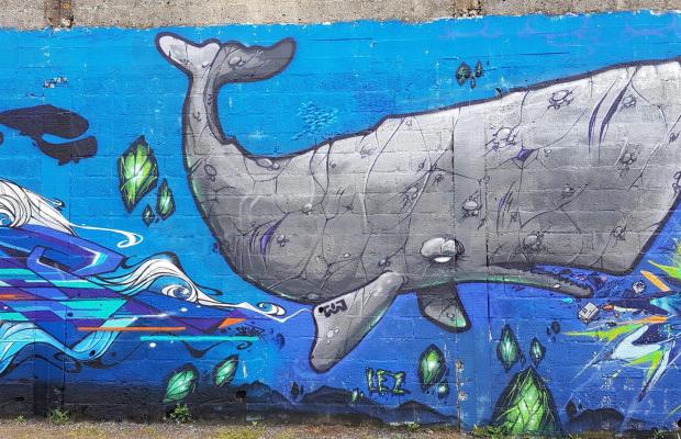Graff d'un cachalot par LEZ et SAMP, extrait d'une fresque murale au Port de pêche de Lorient