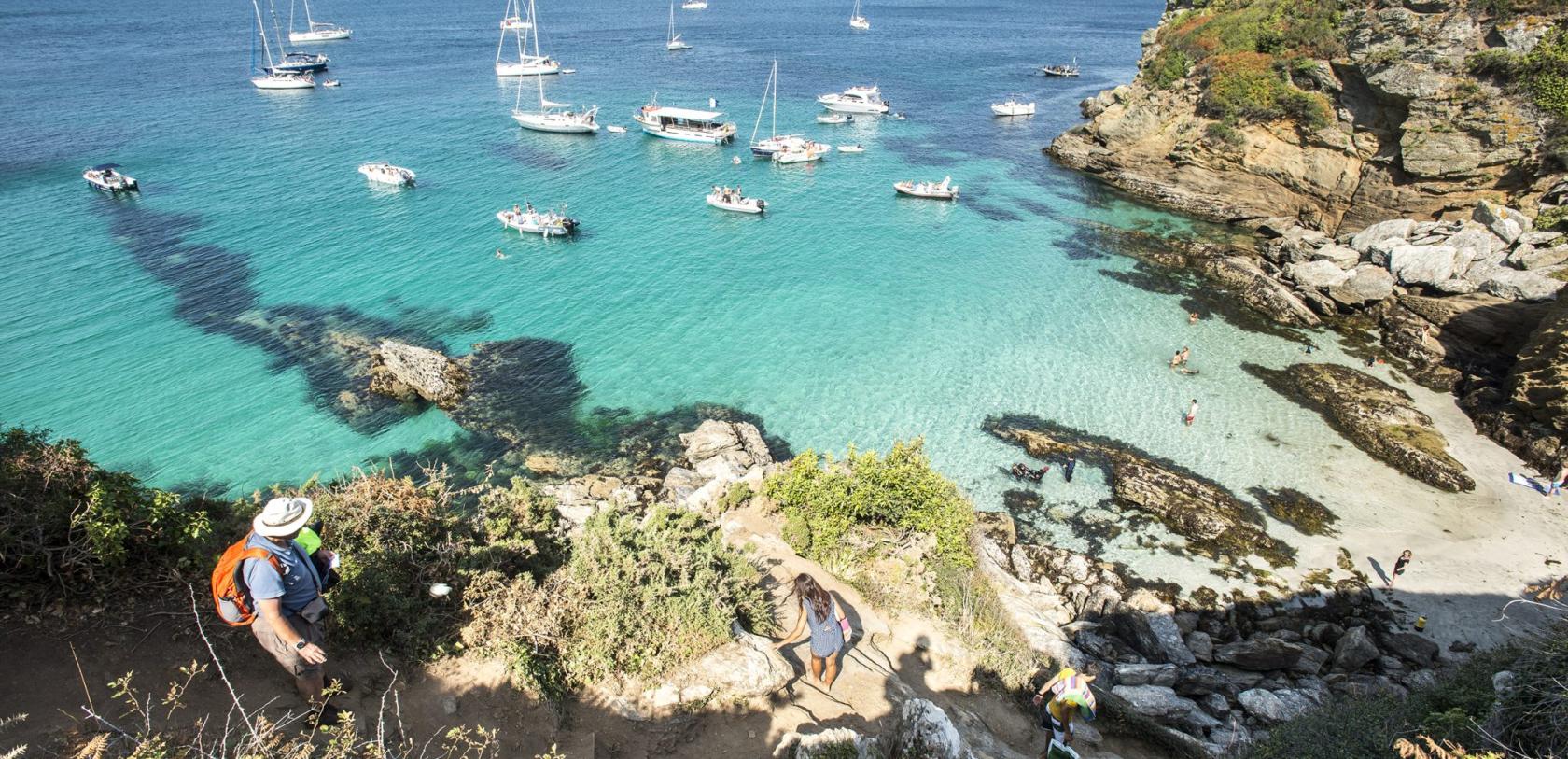 Descente dans une crique de l'Ile de Groix