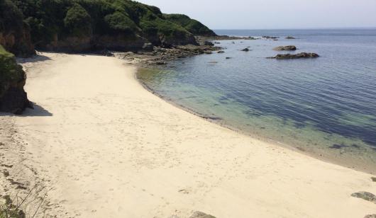 Plage de Porh Skedoul à l'île de Groix.