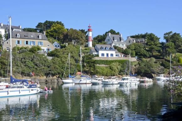 Jacqueline-PIRIOU-Doelan-bateaux-ammares-au-port-crtb-ac7033-2084.jpg