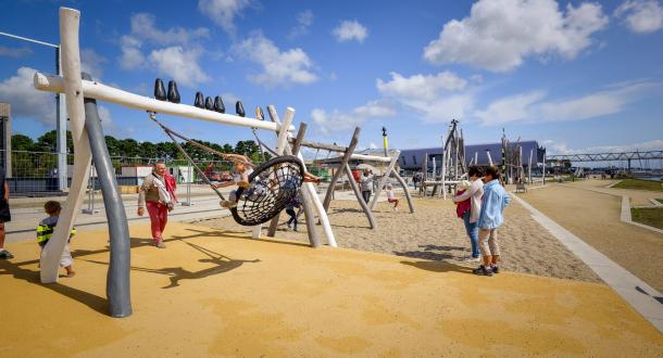 Aire de jeux pour enfants à Lorient La Base