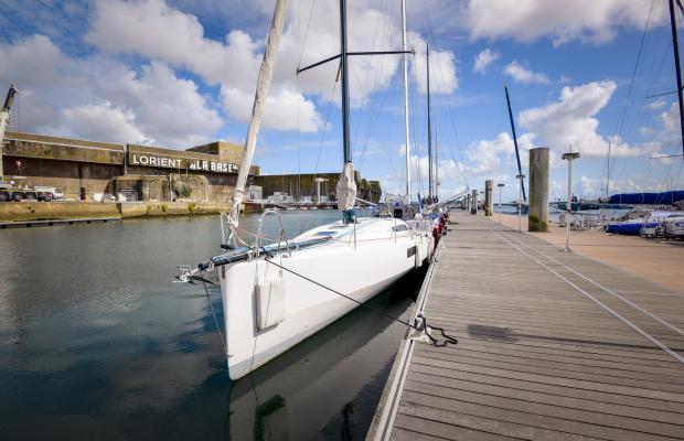 Ponton à Lorient la Base.
