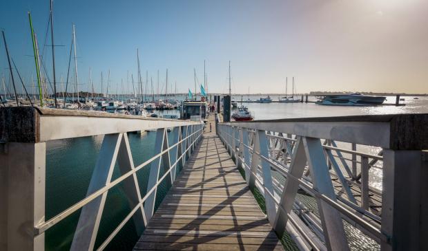 Passerelle du port de plaisance de kernevel, Larmor plage