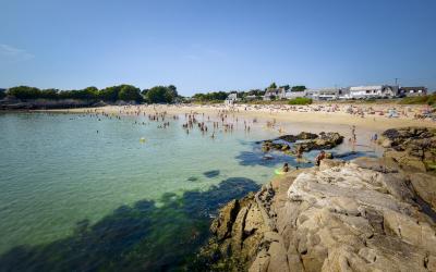 La plage du Perello à Plœmeur.