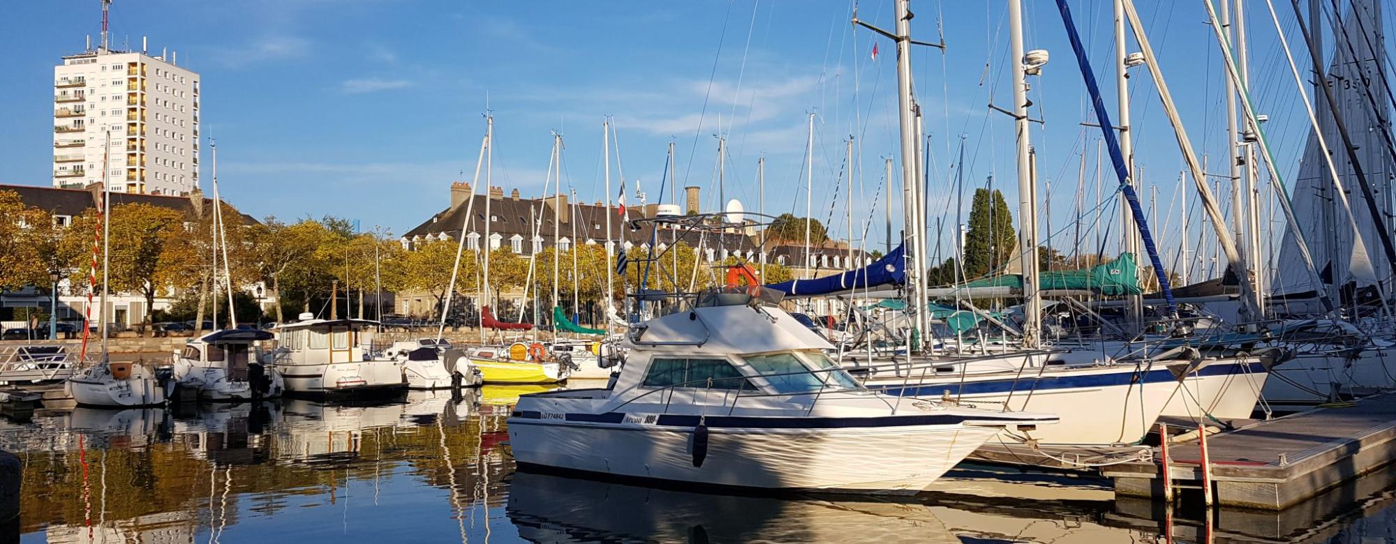 Le bassin à flots et le port de plaisance de Lorient
