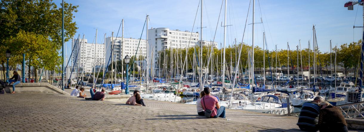 Lorient, le port de plaisance au centre-ville, quai des Indes.
