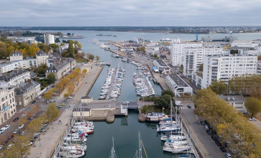 Vue aérienne du bassin à flots et du port de plaisance de Lorient