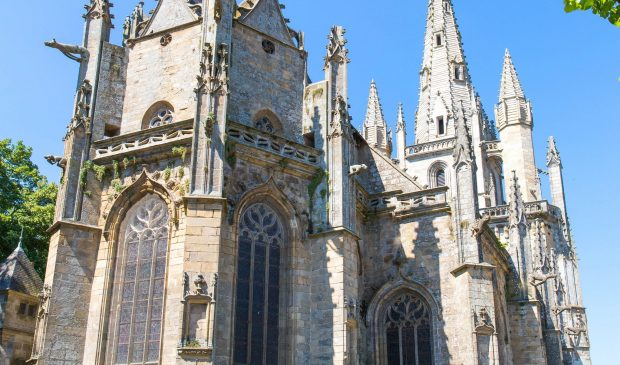 © Simon BOURCIER - Morbihan Tourisme. La Basilique Notre-Dame-Du-Paradis d'Hennebont.